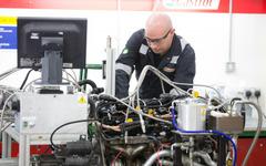 【カストロール 研究開発現場レポ】高効率エンジン開発に向けた、メーカーとの密接な関係 画像