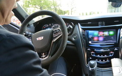 GMジャパン、Apple CarPlay標準装備「ディスプレイオーディオでの対応は時期尚早」 画像