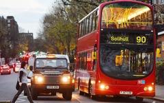 ランドローバー ディフェンダー、タクシー仕様が英ロンドンに登場 画像