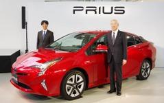 【トヨタ プリウス 新型】加藤副社長「大きくカジを切る先駆けのクルマ」 画像