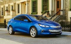 GMのPHV、ボルト 新型…米10ベストエンジン受賞 画像