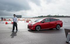 【トヨタ プリウス 新型】TSS Pで安全性向上…歩行者検知機能付き自動ブレーキを体験 画像
