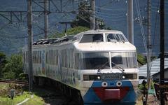 富士急行の2000系引退キャンペーン、初日の運転台見学は中止に 画像