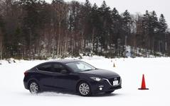 まるでサルトサーキット、マツダ試験場で雪上試乗…「マツダらしい」4WDの神髄を見た 画像