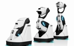 "【CES16】自律移動し変形も…""プロジェクタ搭載""ロボット「Tipron」 画像"