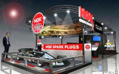 【東京オートサロン16】NGK、国産F1マシン「コジマKE007」を展示 画像