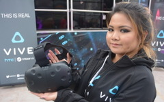【CES16】最新VRマシン、新型『Vive』を試してみた 画像