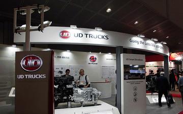 【人とくるまのテクノロジー16】「電動過給機と燃費改善」開発中の新HVシステムを公開…UDトラックス 画像