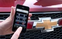 米GM、スマートフォンで車両のドアロックやエンジン始動を可能に…2014年型に標準装備 画像