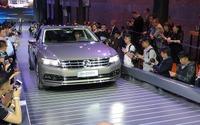 【北京モーターショー16】50mのスロープを新型車が駆け巡る…VWグループ前夜祭 画像