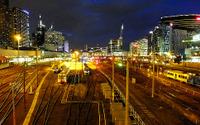 メルボルンの電車・バス24時間運行、試験的導入から半年…利用者の声とにぎわい 画像