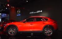 """【北京モーターショー16】マツダ CX-4 は「より美しく、""""Fun to Drive""""を目指した」…小泉チーフデザイナー 画像"""
