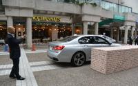 車を降りてから車庫入れ…BMW、量産車初「リモート・パーキング」を初公開 画像