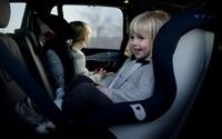 ボルボ、後ろ向きスタイルの新型チャイルドシートを発表…安全性を重視 画像