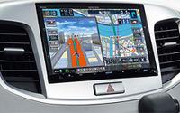 ケンウッド彩速ナビ、8インチモデルがワゴンR専用ディーラーOPに採用 画像