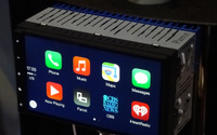 【CES15】Parrot、CarPlayとAndroid autoに両対応したAndroid車載器「RNB6」を公開 画像