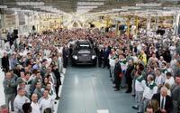 ベントレー の新型SUV、ベンテイガ …英国工場で生産開始 画像