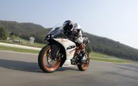 【KTM RC250 試乗】ライバル凌ぐ本格装備でスポーツライディングを気軽に…青木タカオ 画像