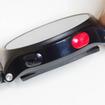 本体右側にはスタート/ストップボタンと戻るぼたんがある。ボタンを姻族に見えるような演出はなく、プレーンなデザインだ。