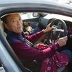 V40で登場した須藤さん(東京都在住)は友人と連れだって参加。ミスティックブルメータリックのボディカラーが青空に映える