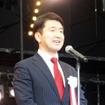 オープニングセレモニーで挨拶する前大阪市議会議員の柳本 顕氏