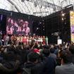 メインステージでは大勢の観客で埋め尽くされた