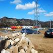 ジュピターショップチャンネルが報道公開した「トルトコミテ」撮影現場。群馬県富岡市南蛇井で群馬ブランドいちご「やよいひめ」を育てる岡野さんのビニールハウスにて
