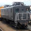 蒸気機関車で知られる大井川鐵道だが、『夜桜列車』はE10形がけん引する。