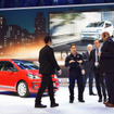 VWのカンファレンスでアクシデント、壇上に乱入者