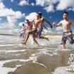 水を使ったファンラン「ウォーターウォーズ」第1弾が沖縄で開催
