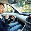 BGMモードでスマホや後席モニターに歌詞を表示させれば、車内はカラオケルームに早変わり