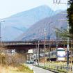 東武鬼怒川線を行く東武特急スペーシア