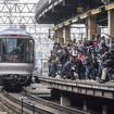 上野へ旅立つ一般営業最後の『カシオペア』。見送るファンの姿は『北斗星』の最終日を彷彿させた。