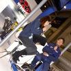 MotoGPテストライダーの青山博一選手と自動車ジャーナリスト今井優杏さん。