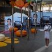 会場にはイメージキャラクター「綾瀬はるか」のポスターが並ぶ