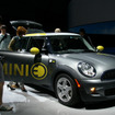 「BMW Group Mobility of the Future - Innovation Days in Japan 2010」では、MINI Eを日本で初めて一般公開した