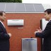 ホンダ伊東社長(左)と清水さいたま市長
