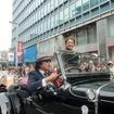 パレードに参加した扇千景さん。