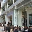 ソフトバンクショップ表参道店で行われたiPhone 4S発売セレモニー