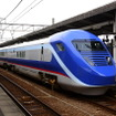 予讃線で試運転を行なうフリーゲージトレイン(2013年4月)