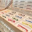 世界初、メガネのドライブスルー販売が前橋でスタート…ゆるキャラも祝福