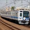 東急東横線を走行する西武の6000系。今回は東横線~みなとみらい線との相互直通運転開始に伴い元町・中華街駅から会場に直通する列車を運転する。