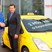 オーストリアで累計走行距離100万kmを達成した2代目トヨタ プリウスのタクシー