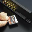 コンパクトフラッシュメモリースロットを内蔵。伝送経路の究極的短縮をもたらす非圧縮リニアPCM(WAVファイル)対応メモリーオーディオプレーヤー部を一体化している。●内蔵オーディオプレーヤー対応フォーマット**:WAV(44.1kHz、16ビットステレオ/モノラル)、MP3(ISO/IEC11172-3準拠のMPEG-1/Audio layer-3、ISO/IEC13818-3準拠のMPEG-2/Audio layer-3(LSF))