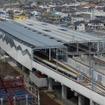 連立事業は引き続き竹ノ塚駅付近などで実施する。写真は2013年に高架線への切替が完了した伊勢崎駅。