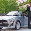 ダイハツ工業は19日、新型軽オープンスポーツカー『コペン』を発表した。写真はコペンローブと三井正則社長
