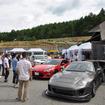 荒選手の愛車であるトヨタ・スープラと、ワンメイクレース車両のトヨタ86が並んだ。