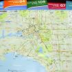 各ルートの「Route Guide & Map」が電車内に配置されている。誌面には、おすすめスポットや有名観光地なども紹介されている。