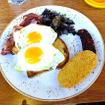 Docklands Dve駅で下車し、ビクトリア港の小さなカフェで朝食をとる。「break-the-fast」を注文。16オーストラリアドル(約1540円)。