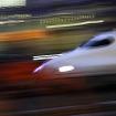東京駅を出発し、名古屋・新大阪を目指すN700系「のぞみ」。